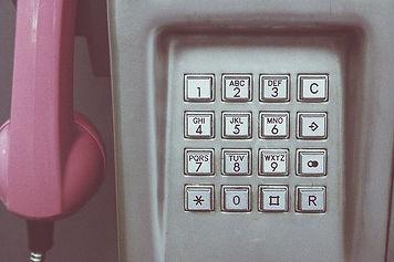 phone-booth-1439052_640.jpg