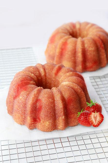 32 oz Strawberry Rum Cake