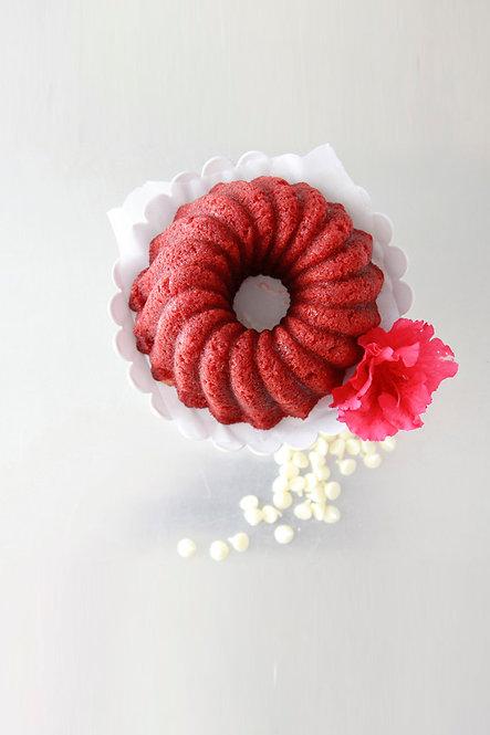 16 oz Red Velvet Rum Cake