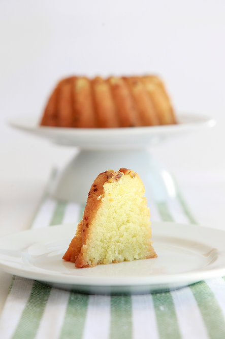 16 oz Pistachio Rum Cake