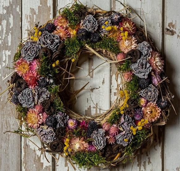 Tavaszi ajtódísz lilás árnyalatban