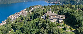 Splendida residenza medioevale dominante il lago d'Orta