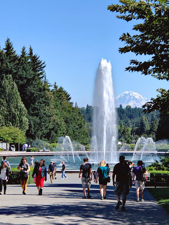 Drumheller Fountain and Mount Rainier from the University of Washington