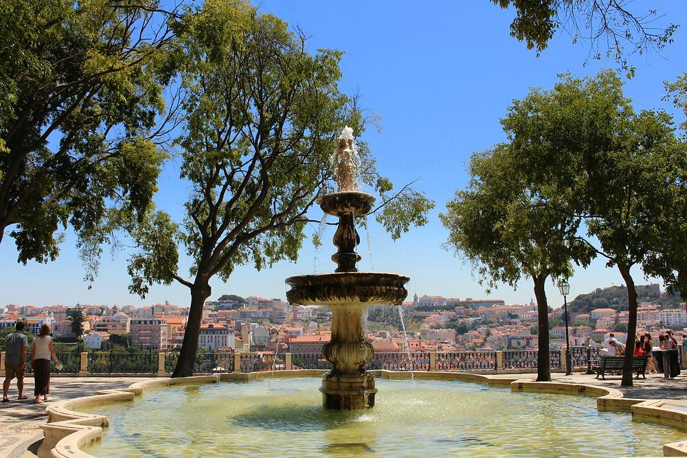 Miradouro de São Pedro de Alcântara - by Just Booked a Trip on Flickr