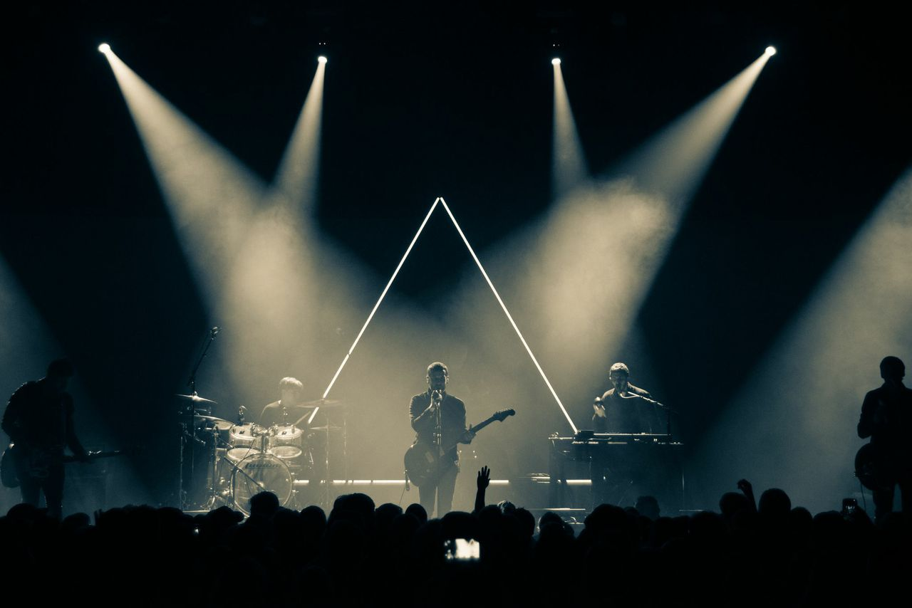 Sam Roberts Band Photos from Sean Hooper. Lighting:set design Ian MacDonald8