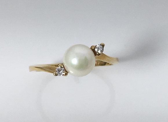 Cultured Pearl & Diamond Ring