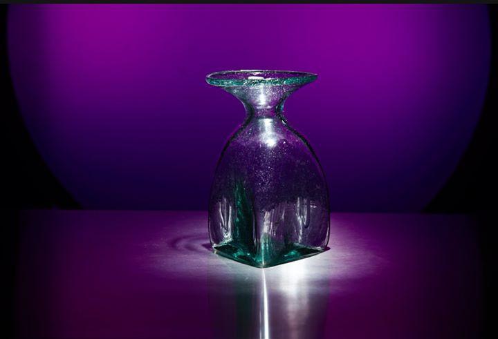 Same Vase, different lighting.jpg