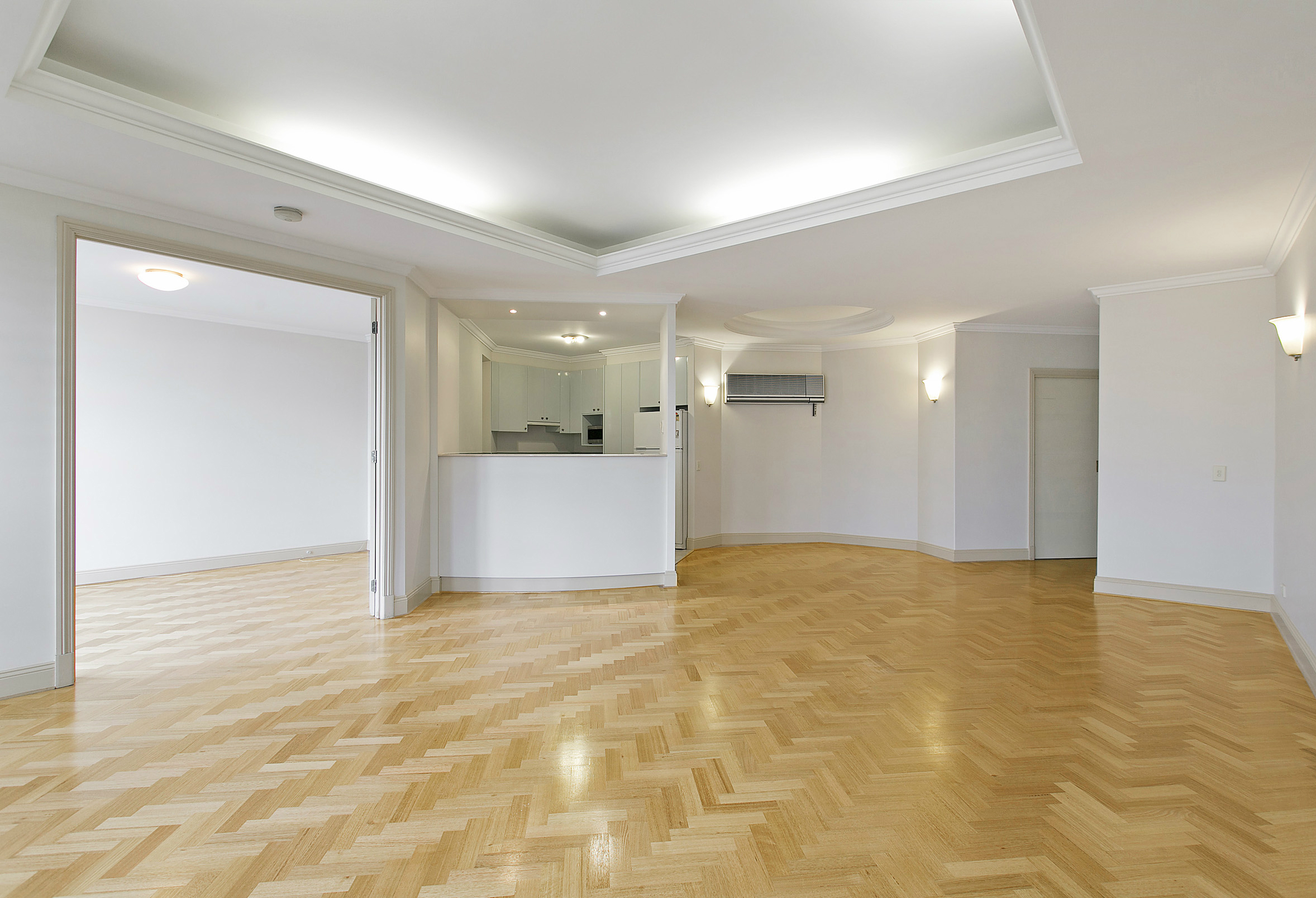 BEFORE VIRTUAL STAGING