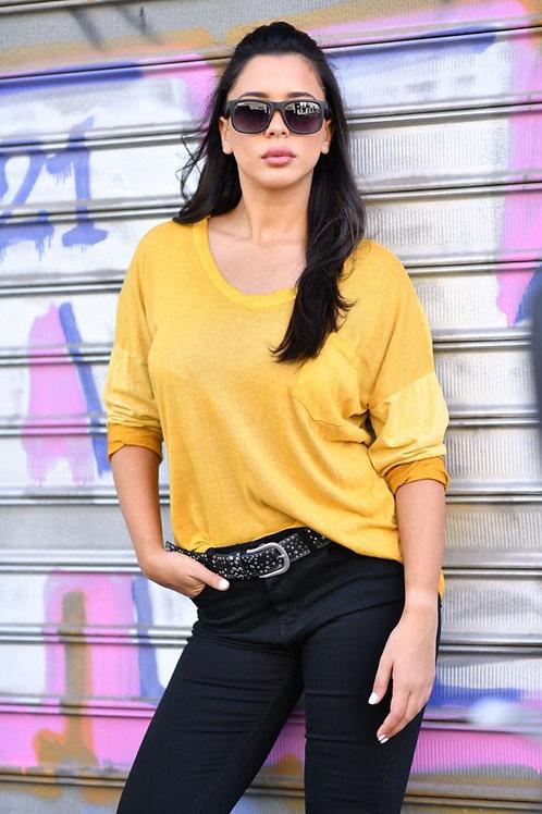 ♥ חולצה חלקה מפתח וי עם כיס וגב ארוך  ♥ EL -4898