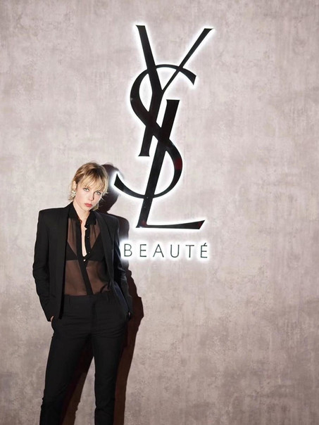 Edie Campbell YSL Beauty, dec 19