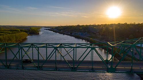 Peru, IL Bridge - Standout