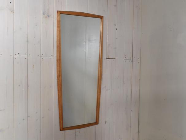 2-077 Mirror