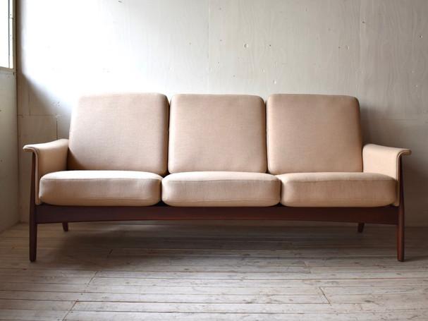3-001 3 seat sofa