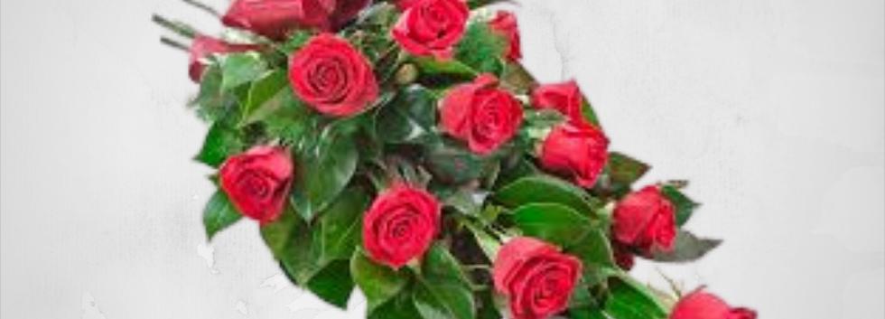Red Roses Tide Sheaf