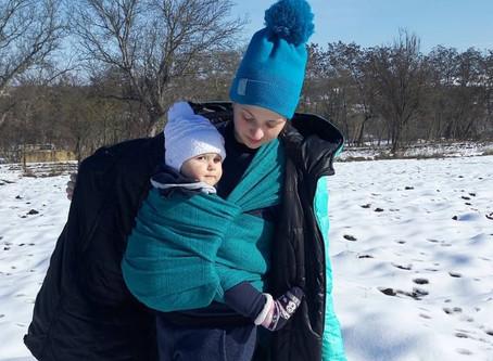 Особливості слінгоносіння взимку