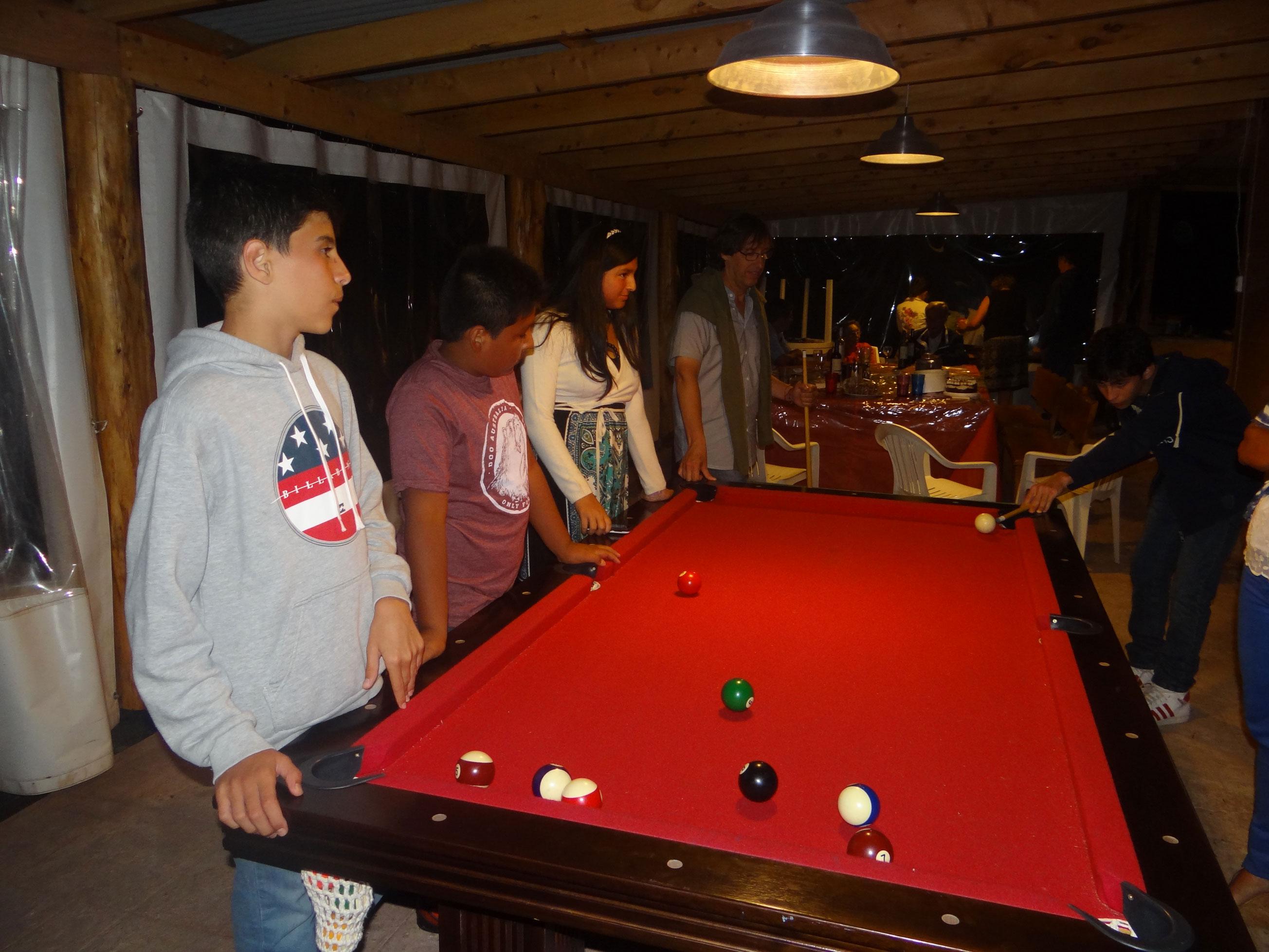Quincho con pool y ping-pong