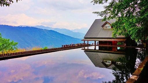 water-bridge-house-river-summer-vacation