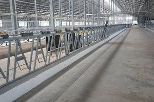 Устройство полимерного покрытия кормовых столов S=692м2