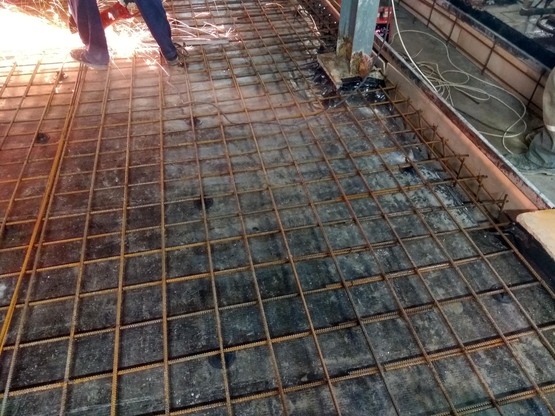 Правильное армирование плиты пола - залог прочности конструкции
