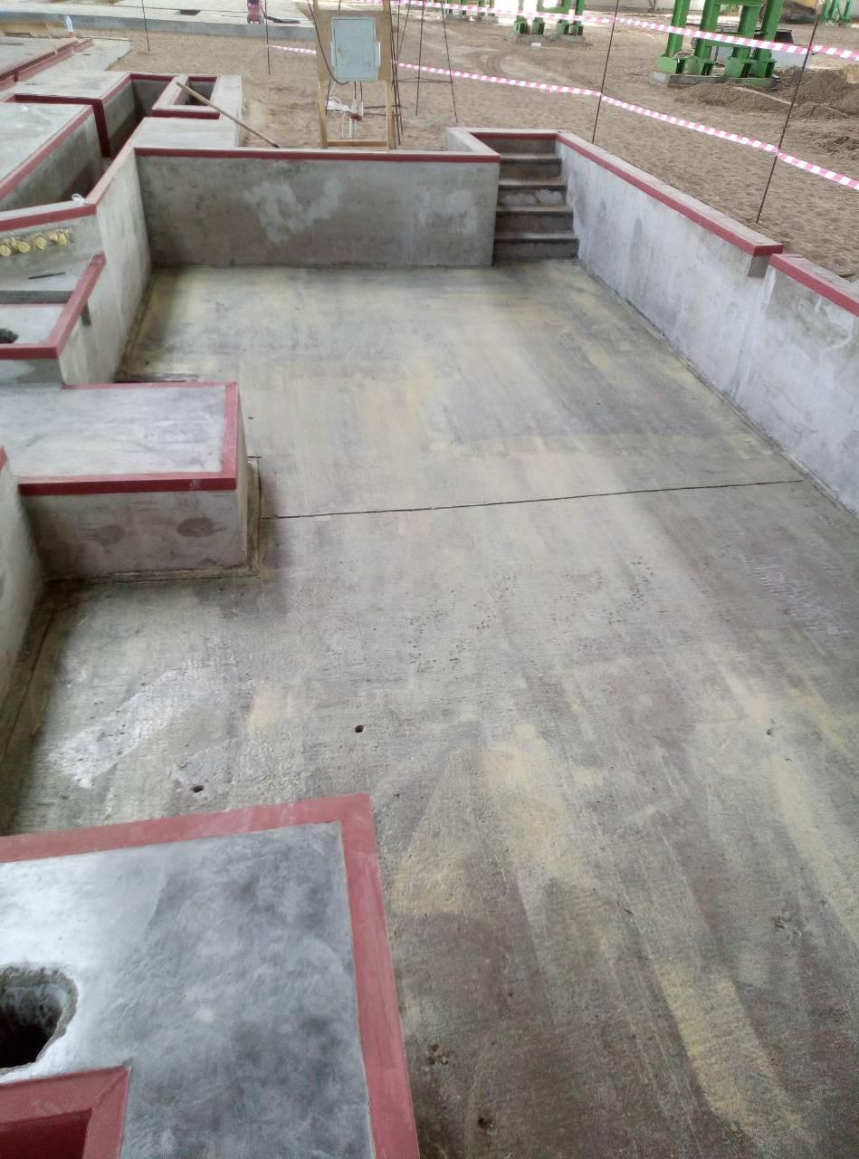 10 Нанесенный грунтовочный слой на дно резервуара