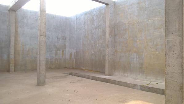 Внутри готового резервуара