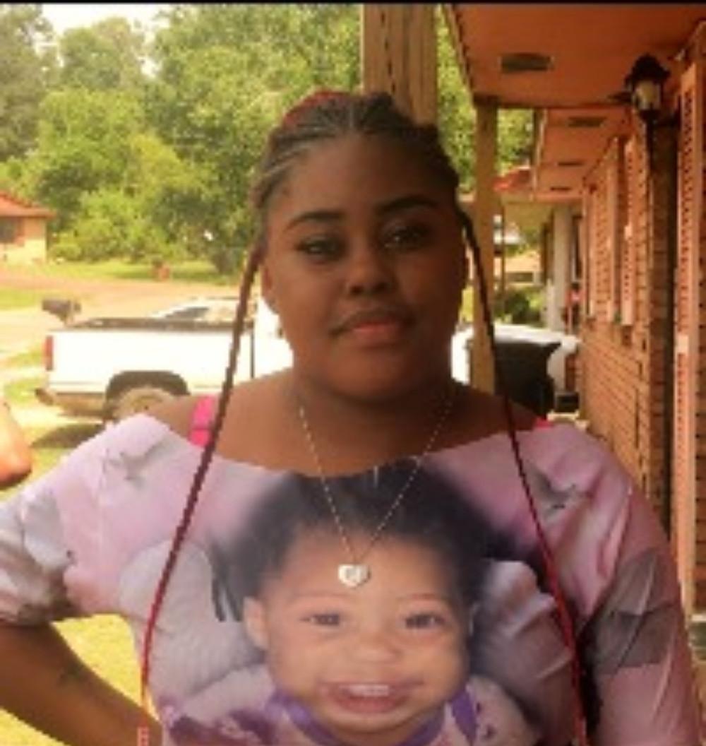 Dedreuna Smith, mother of Jurayah Smith