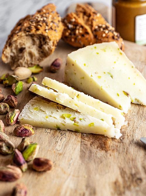 Cuña de queso curado con Trocitos de Pistacho (Al peso) 19.50€/kg