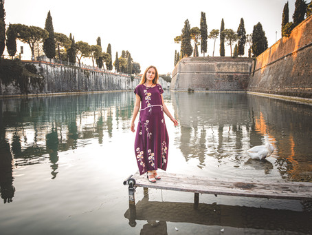 Reflections of the historic walls in Peschiera del Garda. Photographer for portraits, models.