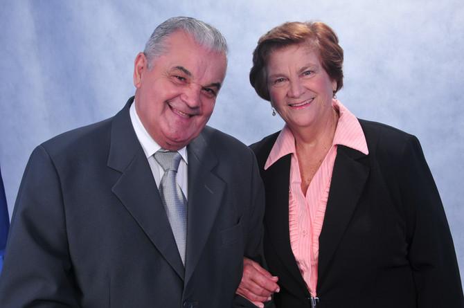 Uma história de companheirismo e dedicação -  35 anos Oliveira's.