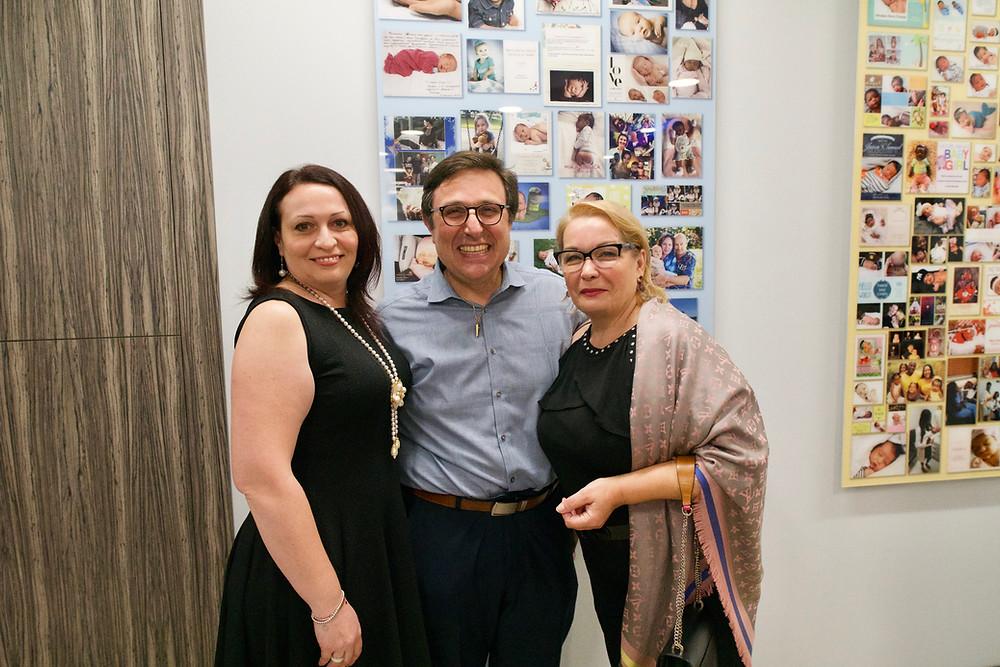 Виктория и Мила с педиатром Маратом Зельцман