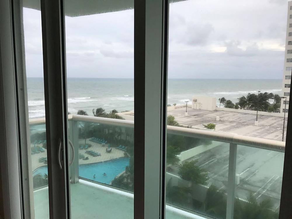 Аренда квартиры в Майами 3901 S Ocean Dr Hollywood Beach