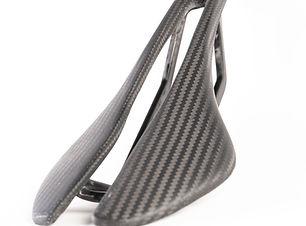 Alpitude-Gardena-carbon-saddle-short-nos