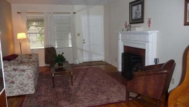 7348 Yolanda Ave. Interior.jpg