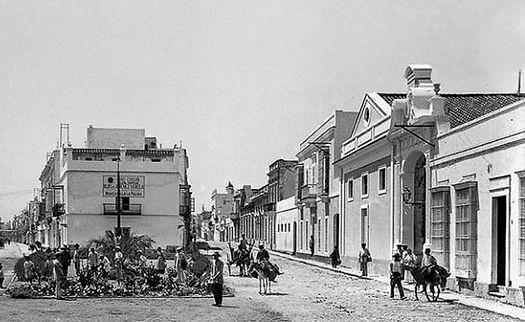 plaza-jazmines-iefc-en-puertosantamaria_edited.jpg