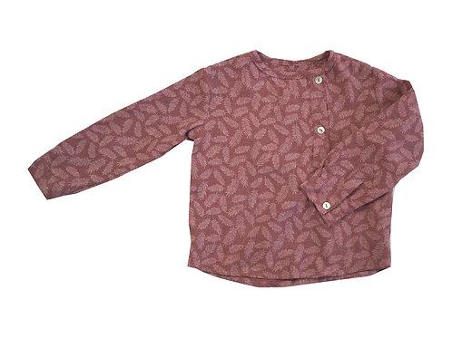 Camisa rusa hojas