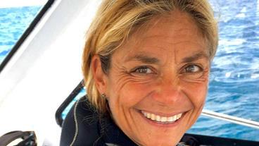 How shark tourism saved the Bahamian sharks with Cristina Zenato