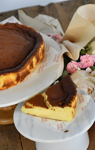 Omakase Fresh Floral & Burnt Cheese Cake