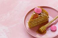 honey-cake-3TFM2XA.jpg