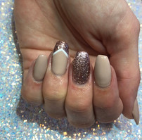 Gell Manicure - Nudes and Glitter.jpg