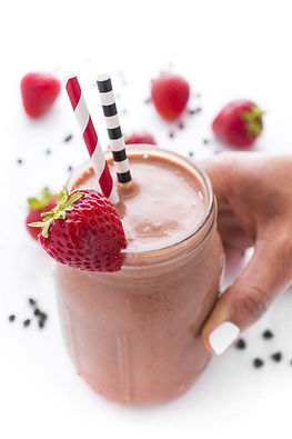 Chcoolate-Strawberry-Breakfast-Smoothie.