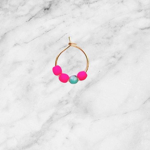 1 Ohrring Gold -  Perlen Neonpink und Türkis