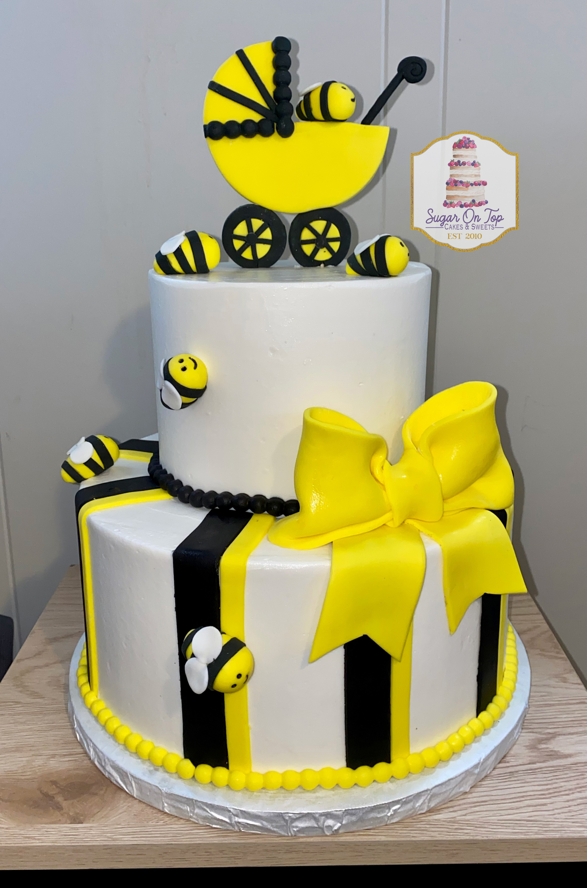 bee baby shower cake