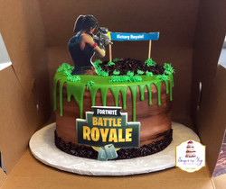 fortnite cake-LOCKER