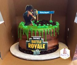 fortnite cake-LOCKER