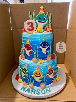 baby shark cake whetzel
