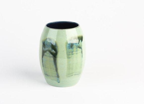 Vase lindengrün mit zwei Streifen