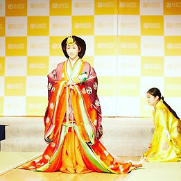 十二単の着装を取り入れたファッションショー__茶道#日本文化 #着物 #kimo