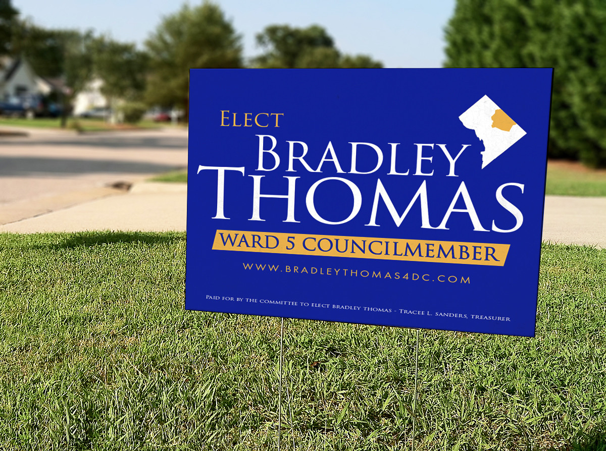 Free Yard Sign Mockup PSD.jpg