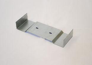 Patte galva - plieuse - perforée - tolerie bretagne - metal