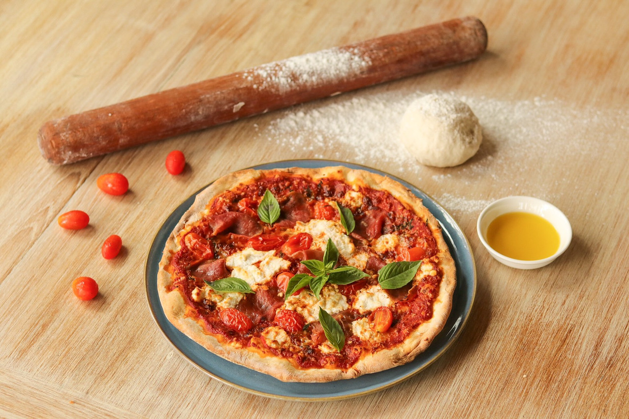 Burrata Pizza with Parma Ham